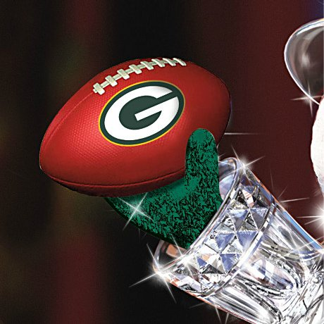 Green Bay Packers Masterpiece Edition Crystal Snowman Figurine - Detail