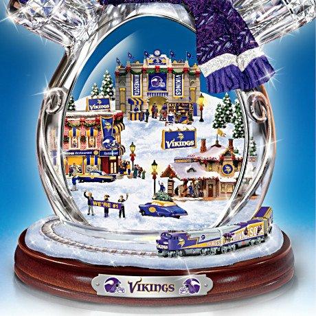 Minnesota Vikings Masterpiece Edition Crystal Snowman Figurine - Detail