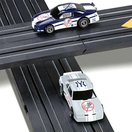 MLB New York Yankees Electric Slot Car Set