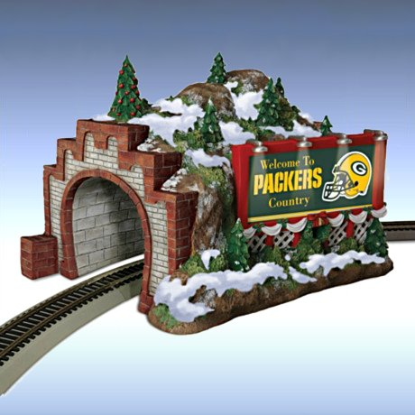 Train Accessory: NFL Green Bay Packers Christmas Mountain Tunnel - Detail