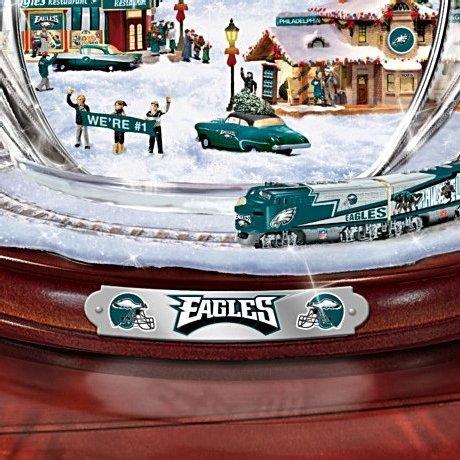 Philadelphia Eagles Masterpiece Edition Crystal Snowman Figurine - Detail
