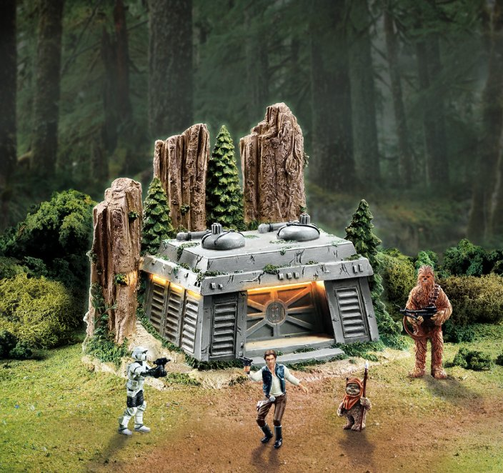 Star Wars Endor Bunker with FREE Han Solo figurine