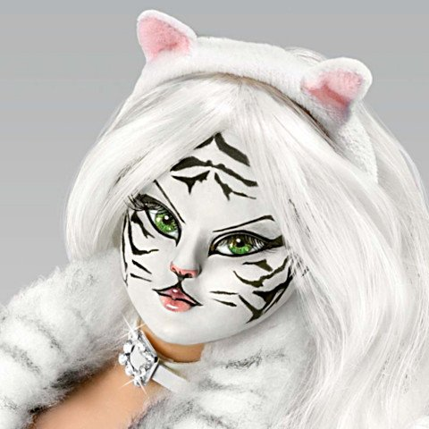 Cat Woman Fantasy Doll: Siberian Seduction - Detail