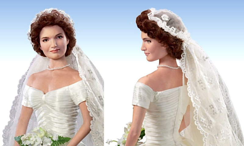 Commemorative Bride Doll: Jacqueline Kennedy - details