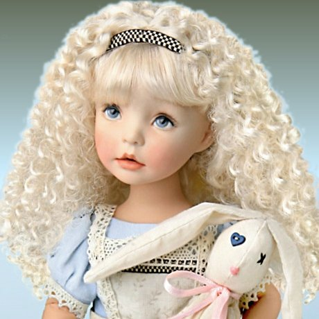 The Alice In Wonderland-Inspired Child Doll - detail