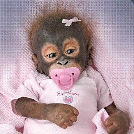 Orangutan Baby doll - detail