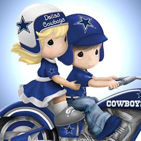 Precious Moments Gearing Up For A Season Dallas Cowboys Motorcycle Figurine - Detail