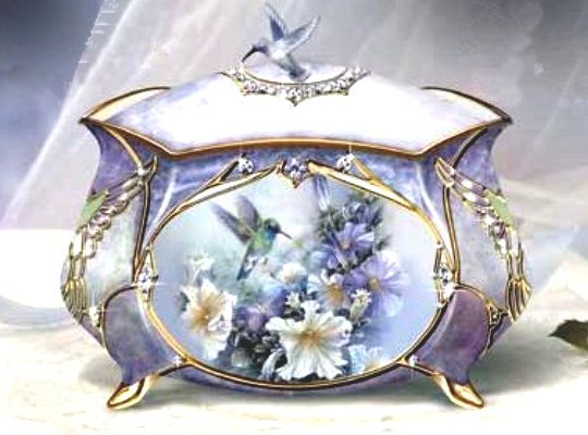 Precious Treasure Hummingbird Music Box